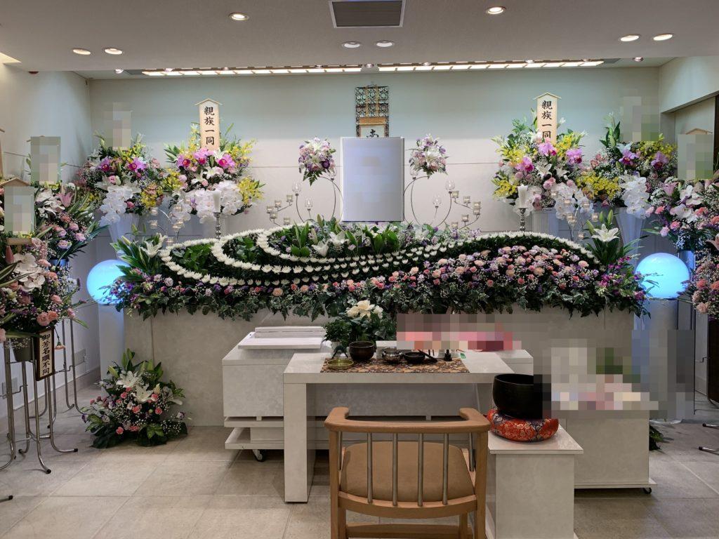家族葬専用ホールメモリアル堺 花祭壇