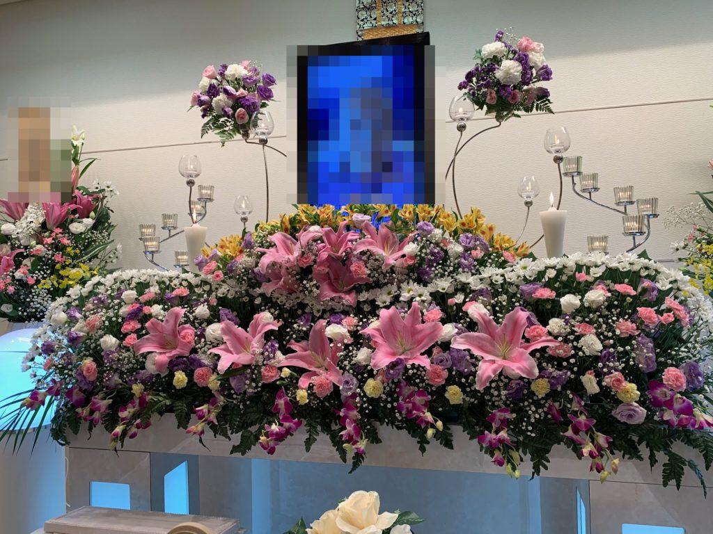 家族葬専用ホールメモリアル堺 祭壇